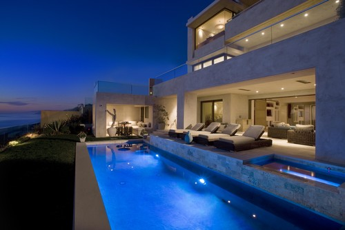 Contemporary-Coastal-Pool
