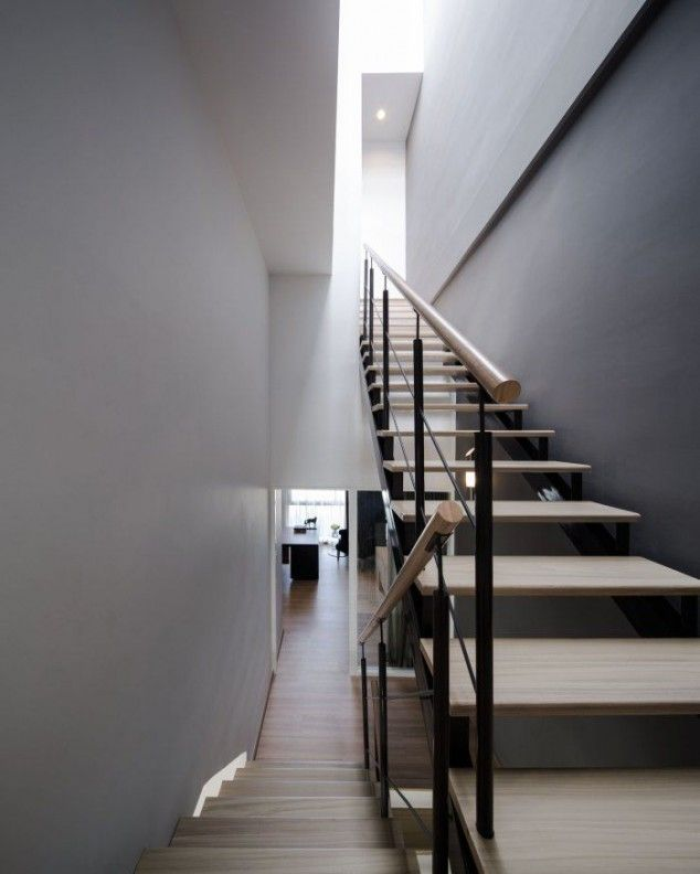 Modern Timber Tread Staircase