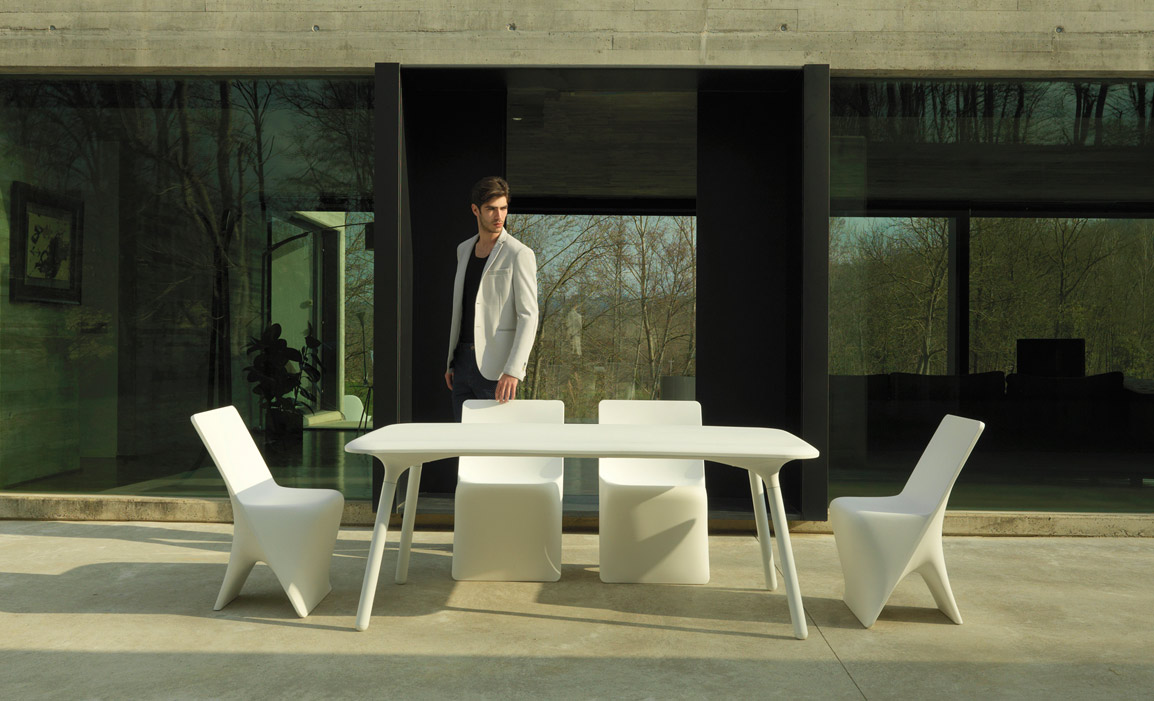 VONDOM Outdoor Furniture Setting