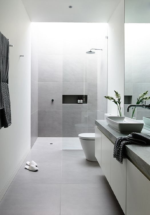 bathroom with skylight 10
