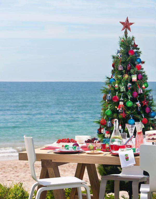 14 Christmas on the beach decorations