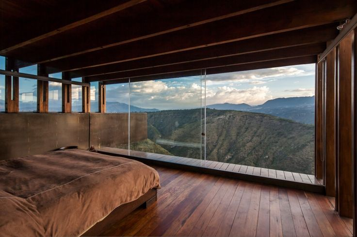 15 bedroom with mountain view